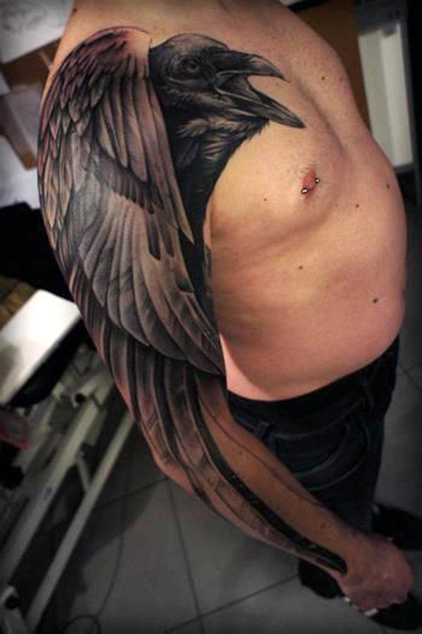 Татуировка черный ворон