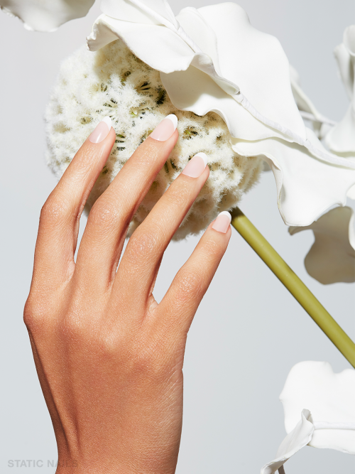 Now give your hands a perfect manicure with Static's Natural French Press on Nails. This modern French Manicure set can be removed and reused.